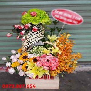 hop-hoa-tuoi-chuc-mung-khai-truong-sinh-nhat-dep 600 (18)